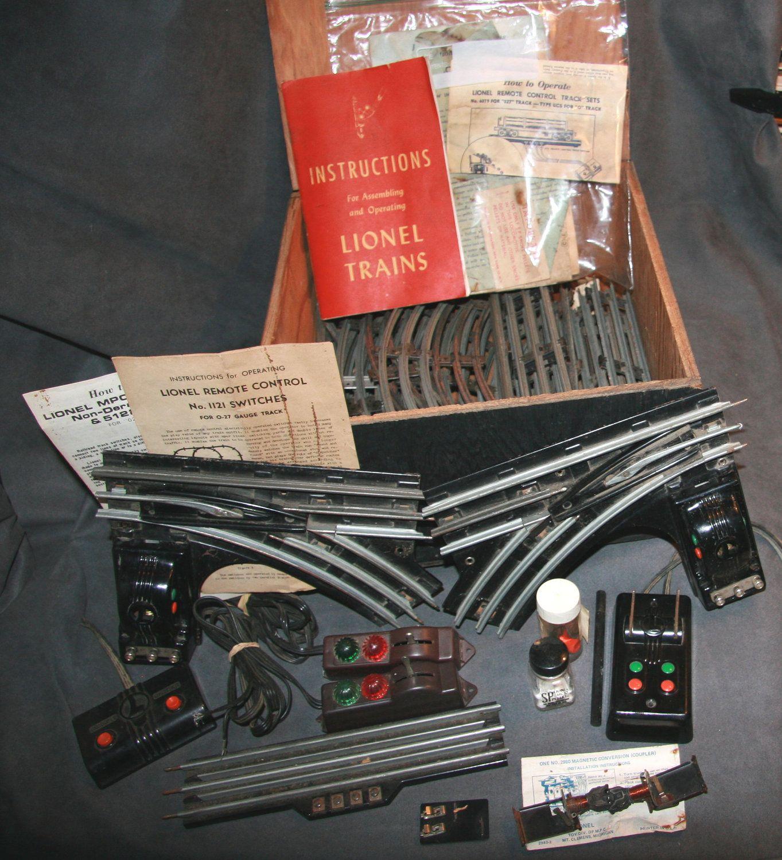 1950s Lionel Model Railroad Train Accessories O scale Big Box of ...