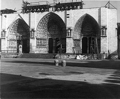 Rko Encino Ranch Notre Dame Cathedral Set Famous Movies Encino Filming Locations