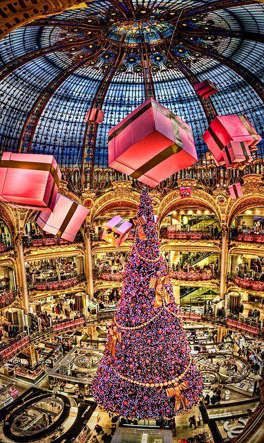 Christmas Tree Christmas In Paris Lafayette Paris Paris