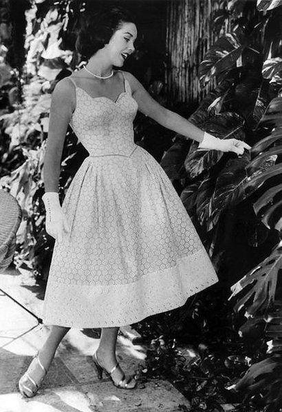 Betere Jaren '50 jurk   Vintage mode fotografie, Jaren 50 stijl, Jaren 50 CJ-91
