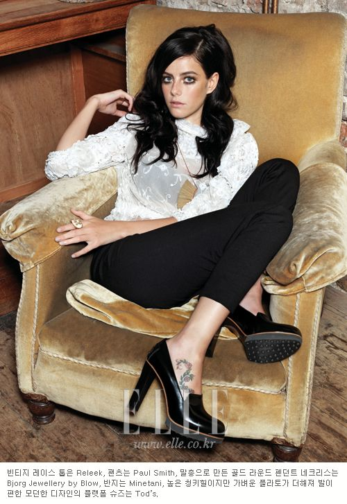 Kaya Scodelario love this hairstyle