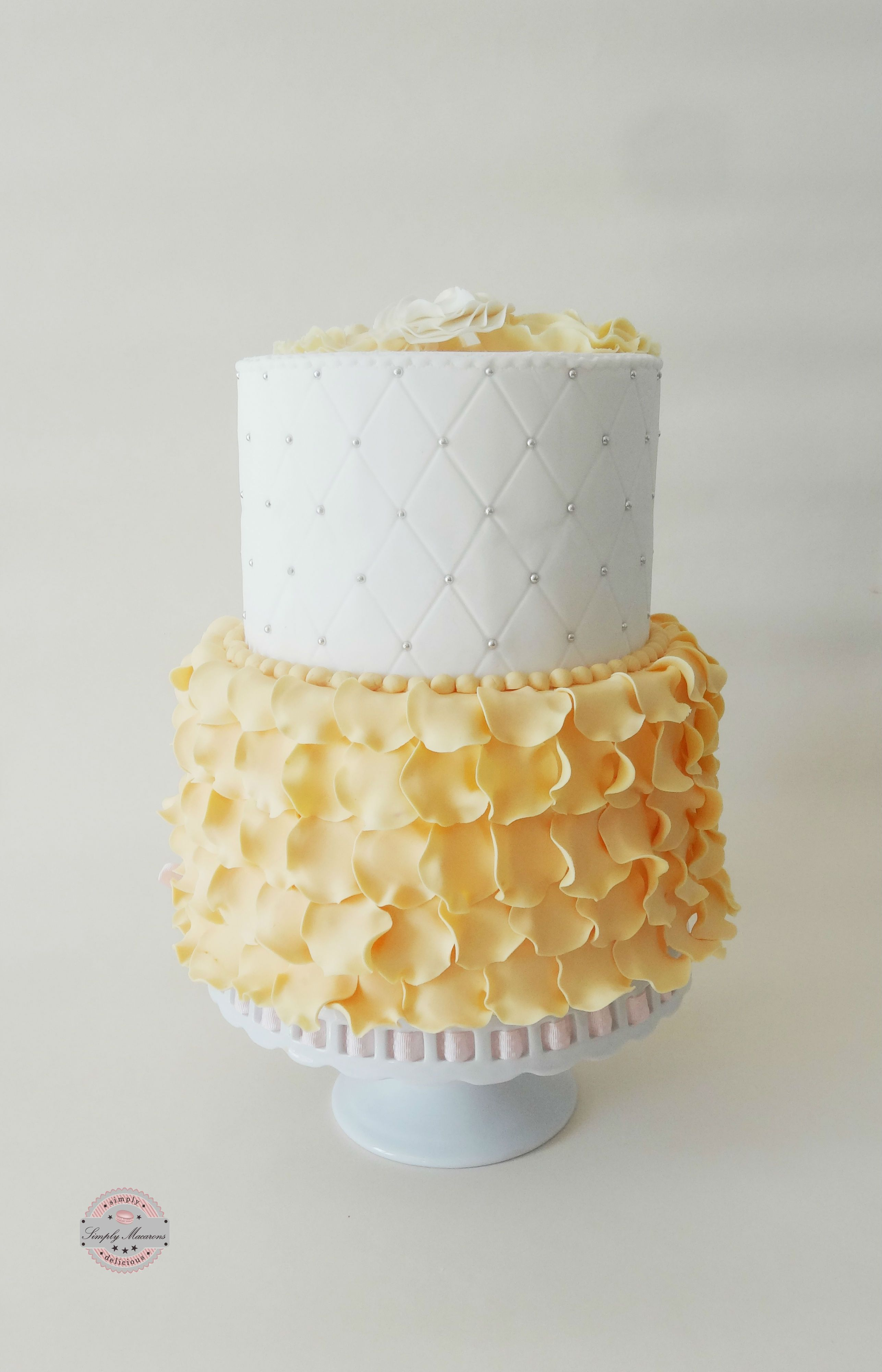 White and yellow cake gâteaux cakes pinterest macarons and cake