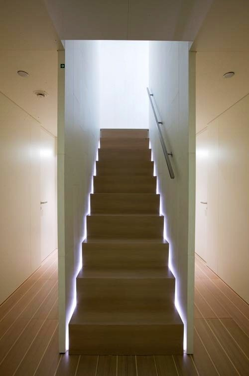 tolle led treppen beleuchtung h user treppen treppe beleuchtung. Black Bedroom Furniture Sets. Home Design Ideas
