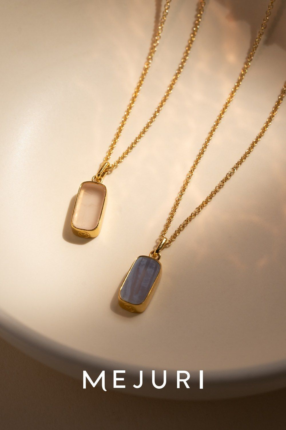 18ct Yellow Gold With Sky Blue Agate Gemstone Pendant and Earrings Set