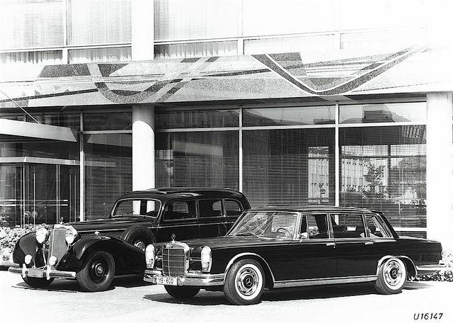 Mercedes-Benz 770 (W150) & Mercedes-Benz 600 (W100) by Auto Clasico, via Flickr