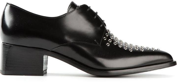 €568, Schwarze beschlagene Leder Oxford Schuhe von Ermanno Scervino. Online-Shop: farfetch.com. Klicken Sie hier für mehr Informationen: https://lookastic.com/women/shop_items/150299/redirect