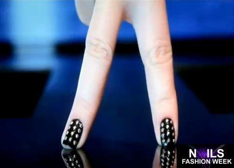 Google Image Result for http://1.bp.blogspot.com/-a8MYAIwVZOk/UFMW4QfhIrI/AAAAAAAAAUo/cImxAq7mKg4/s1600/Nails_Fashion_Week.jpg