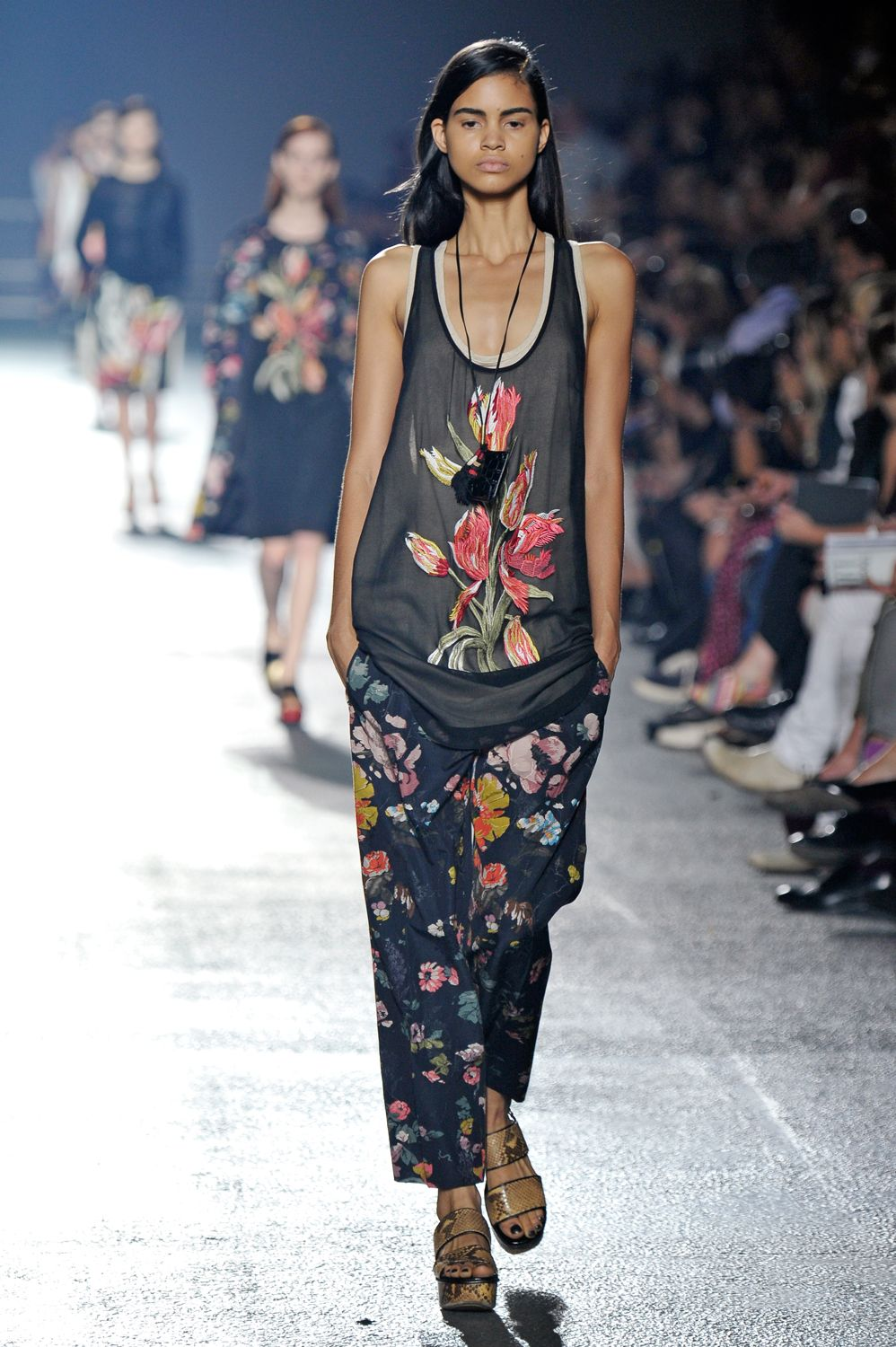 Spring Awakening! 18 Floral Outfits To Welcome The New Season