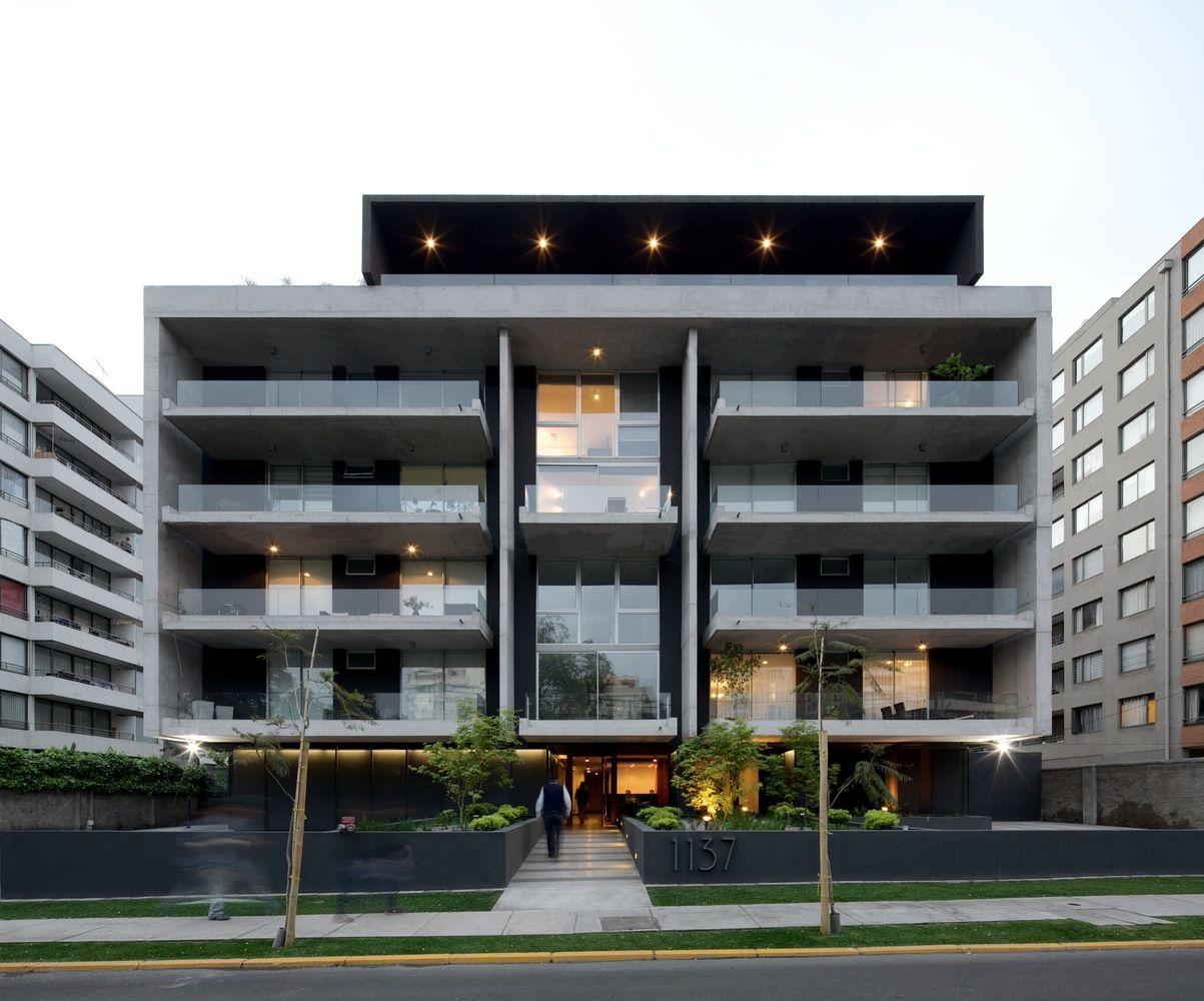 Galer a de edificio piacenza sml arquitectos tri - Edificios minimalistas ...
