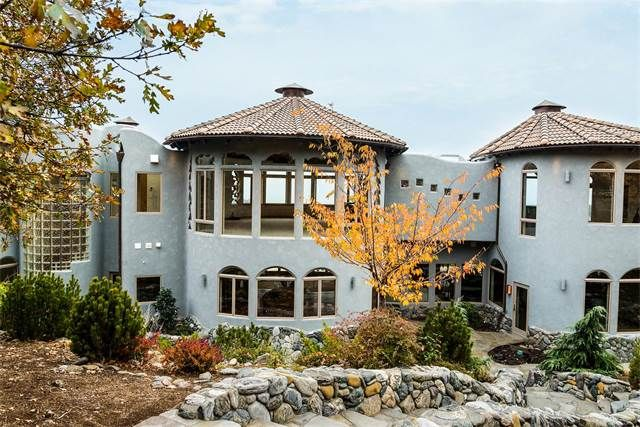 Single Family Home for Sale at Shining Hand Ranch Ashland, Oregon,97520 United States