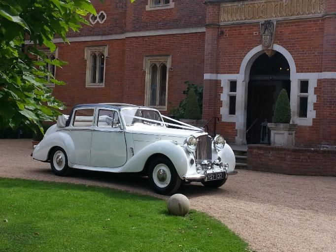 D S Wedding cars are a profesional family owned and run business specialising in supplying Classic and Vintage wedding cars since 1986 and have been providing beautiful chauffeur driven, well maintained wedding cars in Surrey, Sussex.
