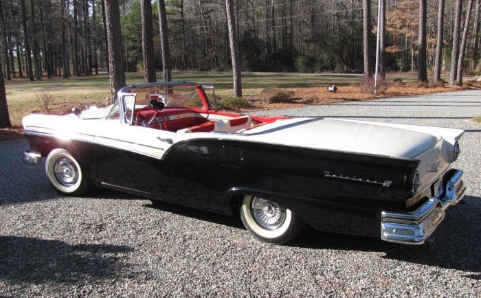Hemmings Find Of The Day 1957 Ford Fairlane 500 Sk Ford Fairlane Ford Fairlane 500 Fairlane