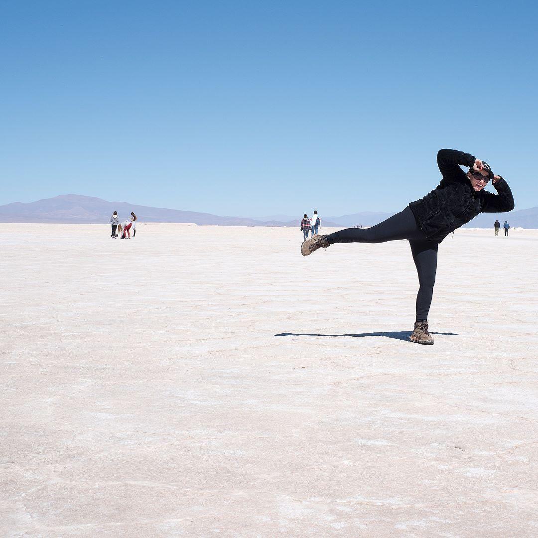 Cuando la #vida nos da #limones pedimos #tequila y #SAL! Quer saber como foi turistar por #SalinasGrandes em #jujuy na #Argentina ? Contamos tudo aqui: http://bit.ly/purma - - - - - - - - - - - @visitargentina @turismojujuy  #ArgentinaEsTuMundo #argentina #argentina_ig #argentina360 #argentinaig #VisitArgentina #ArgentinaTrails #PureArgentine #argentinatravel #WorldFriendly #CDVTripJujuy #INPROTUR #QuebradaDeHumahuaca #PatrimônioDaHumanidade #UNESCO #salinas #CulturaAndina #turismojujuy…