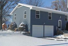 Siding After Certainteed Mainstreet Granite Gray Amp Colonial Blue Vinyl Siding Vinyl Siding House Blue Siding