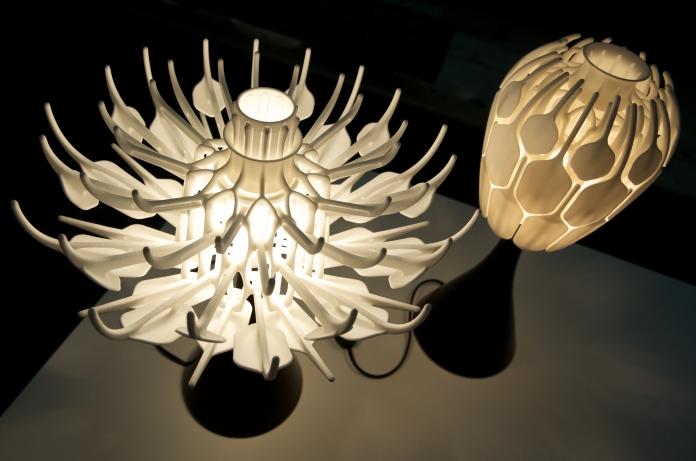 3d Printed Flower Lamp Blooms To Release More Light Pics Flower Lamp Ceiling Light Design Lamp