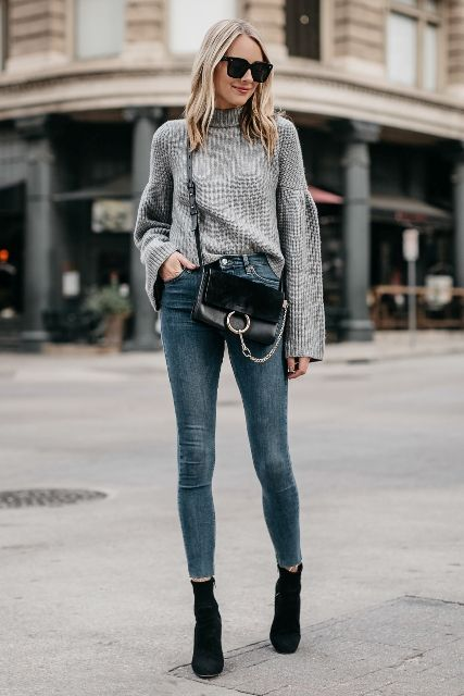With crossbody bag, skinny jeans and black suede ankle boots #skinnyjeansandankleboots