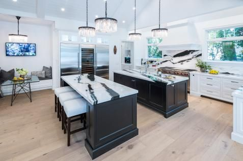 Kitchen Island Table Ideas and Options + HGTV Pictures Melody\u0027s
