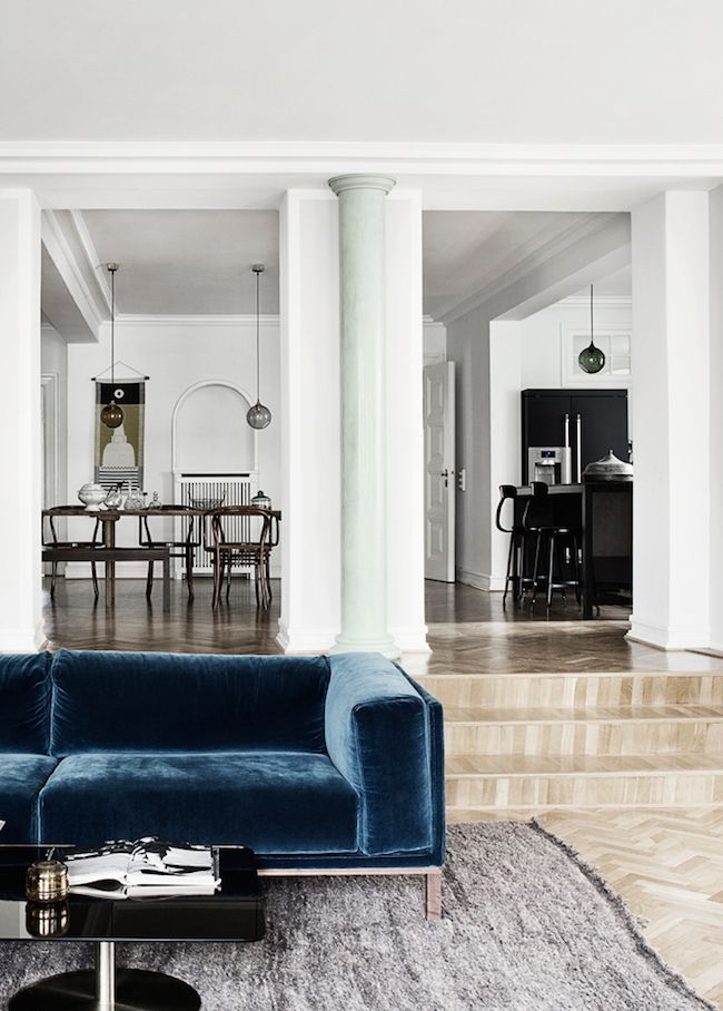 natalia sánchez echevarria / privat villa frederiksberg / velvet blue sofa & 25 Reasons To Say Yasss to a Blue Sofa | Mod HOME My StYLe ...