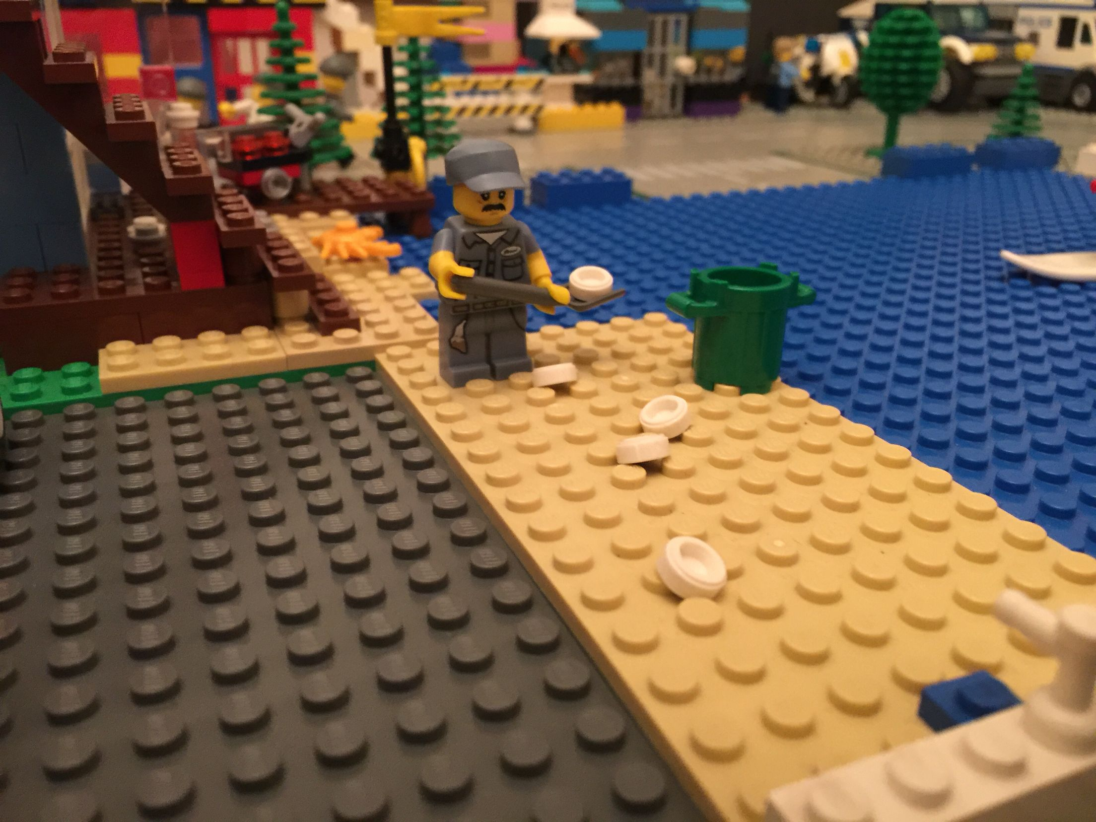 Cleaning the Lego City beach | Lego