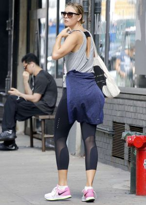 dde7f1fc15a Maria Sharapova in Tights -08 - GotCeleb