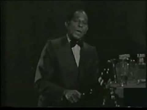Aqui El Cantante Cubano Residente Hasta Su Muerte En Espana Canta Una Hermosa Cancion Angelitos Negros Tienen Los Ang Angeles Negros Canciones Cantantes
