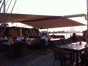 Restaurant tip: Eten op een echt zeilschip in Amsterdam | NSMBL.nl