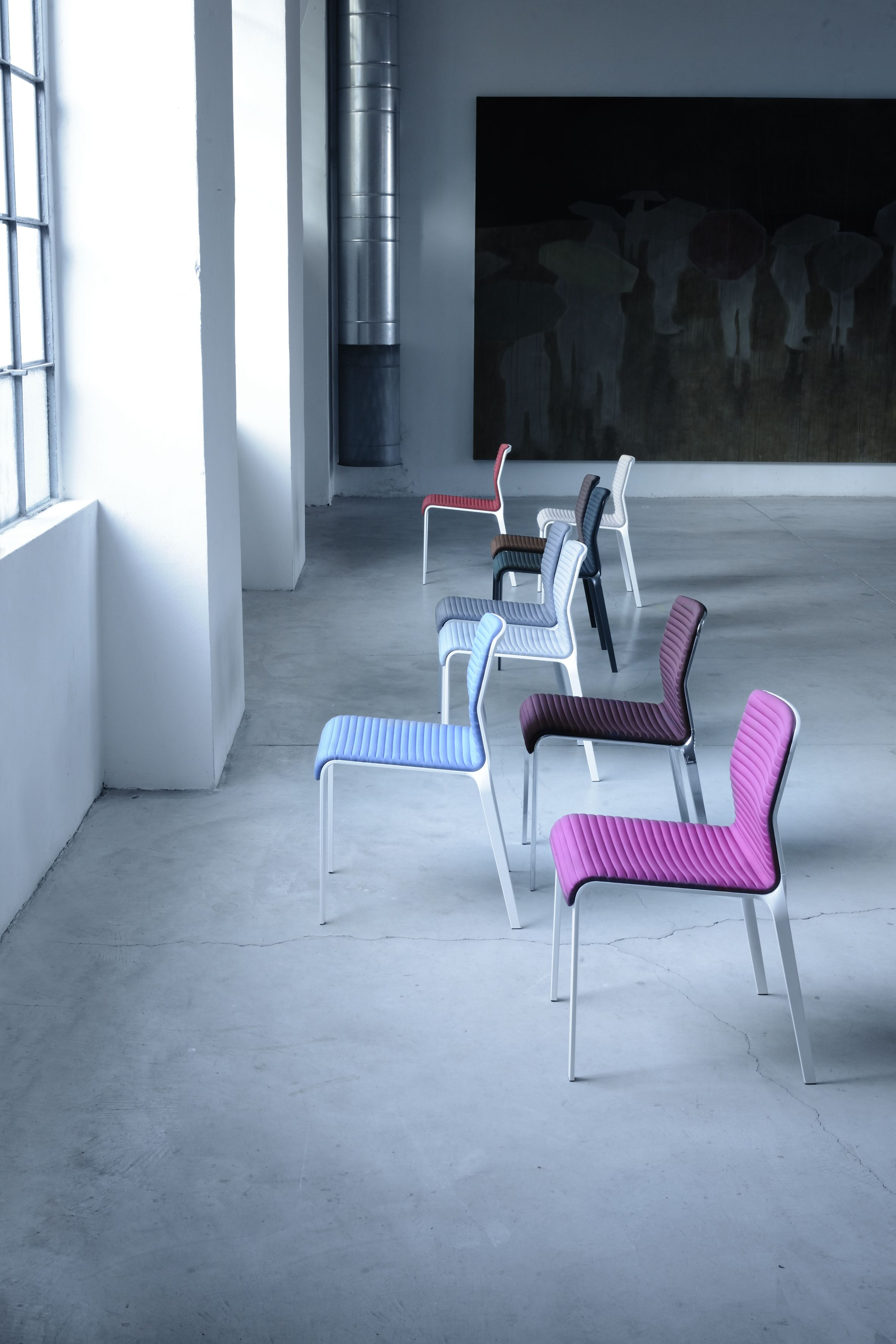 BEND  A family of seating with great aesthetics and comfort. The frame made of…