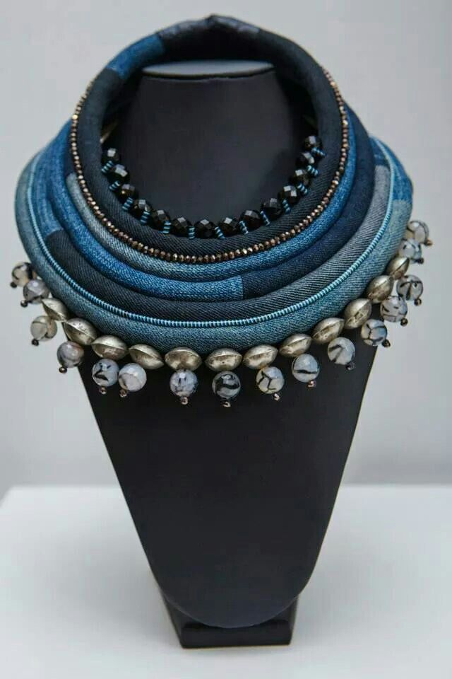 I can do a diy version of this with not so many layers of denim and different beads.. Toubab paris #bijoux #bijouxcreateur
