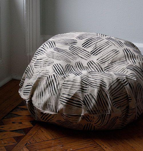 Fabulous Dorm Diy Beanbag Chair Makeover Bean Bag Chair Chair Ibusinesslaw Wood Chair Design Ideas Ibusinesslaworg