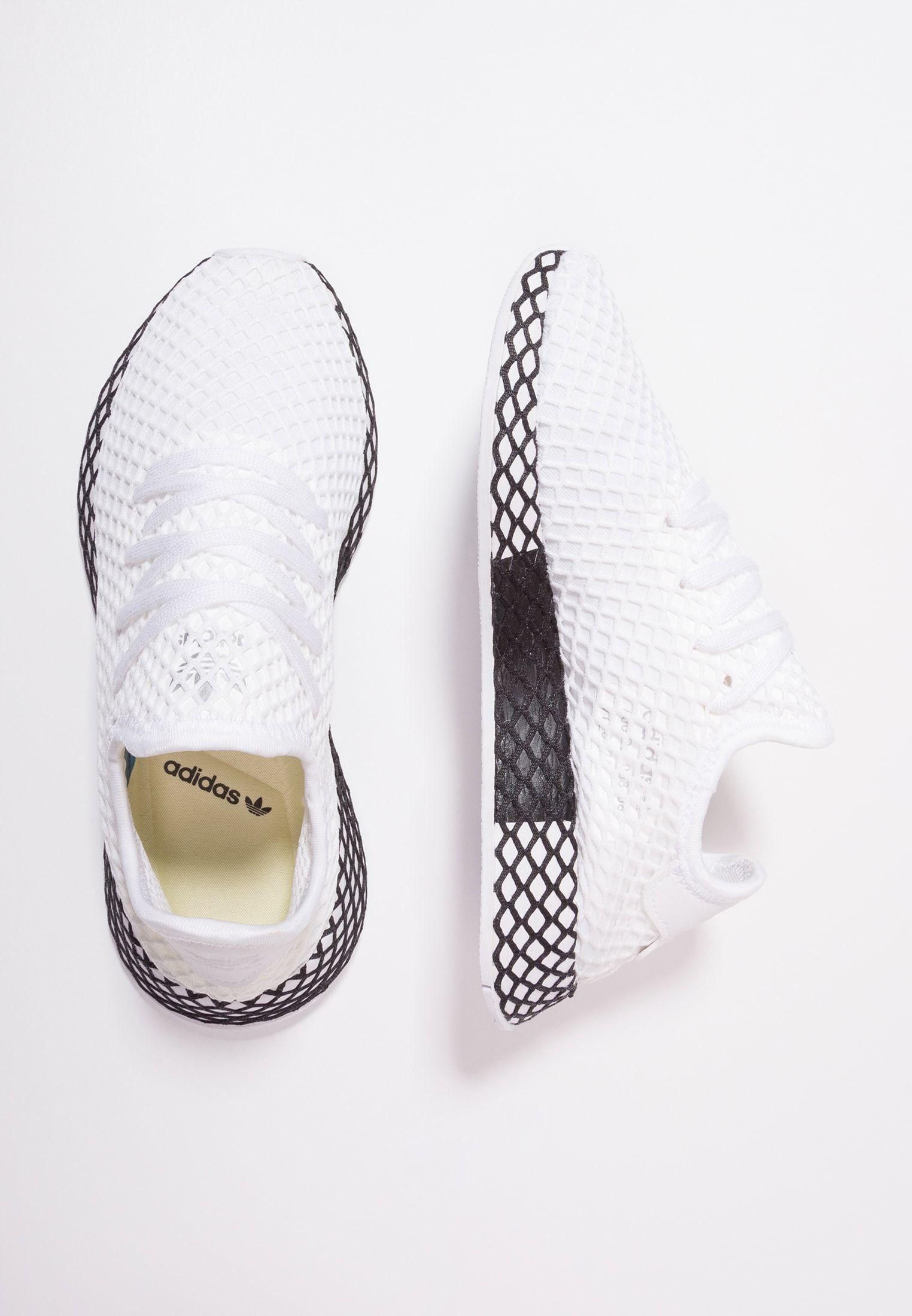 DEERUPT RUNNER - Sneaker low - footwear white/core black ...
