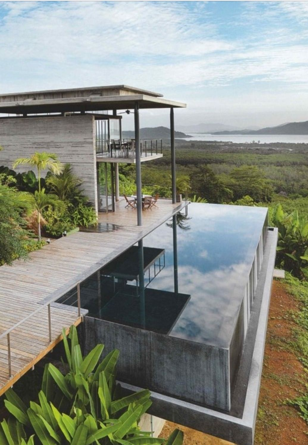 Stunning Residence With Views Suspended Infinity Pool