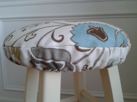 Quick Easy Blindingly Cute Stool Cushion Stool Cushion Diy Chair Cushions Bar Stool Cushions