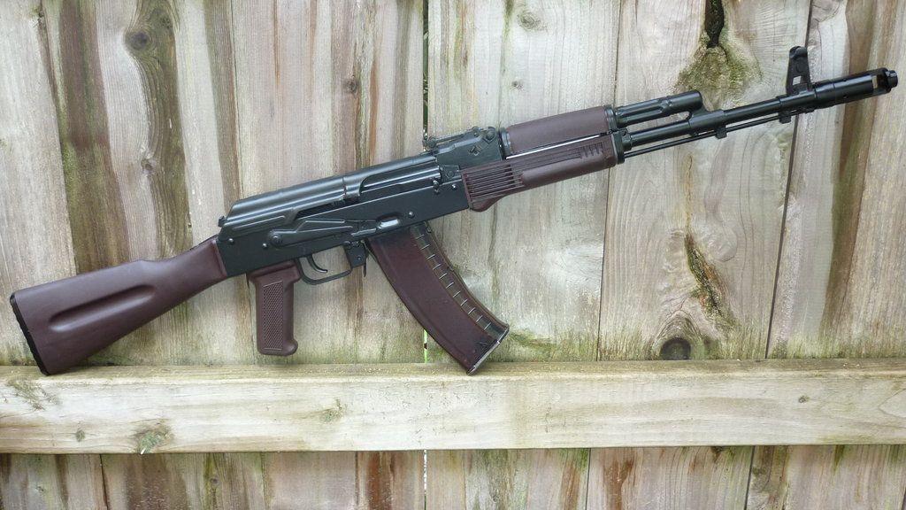 Attirant AK 74 With Plum Furniture.