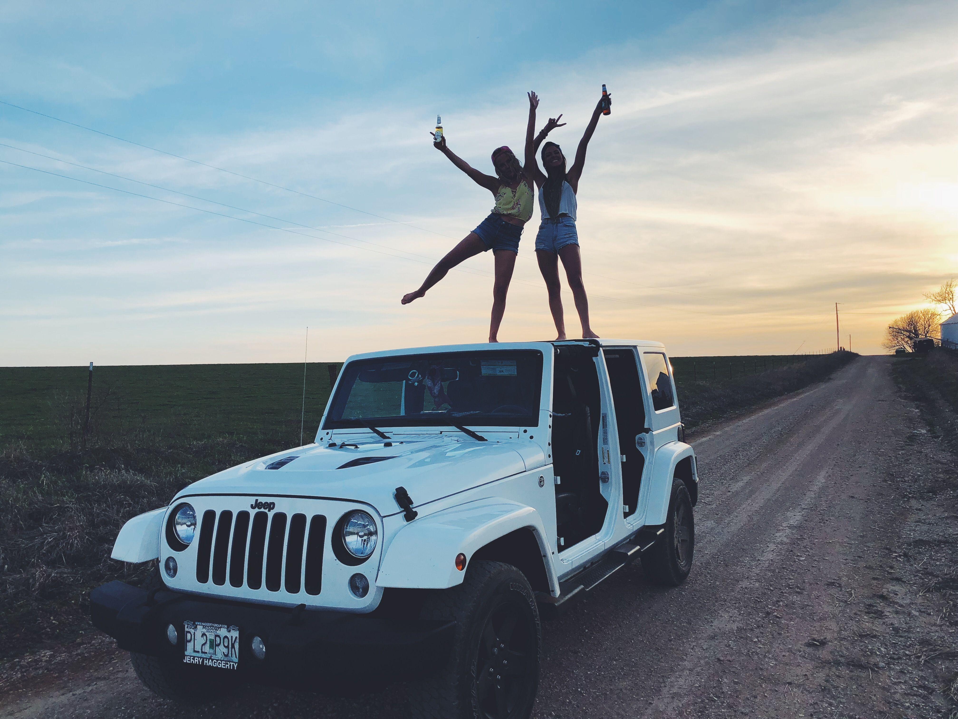 Jeep Jeepgirls Bestfriends Jeeplife Boozenoshoes  -3465
