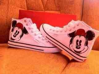 9692c9ed22a Mickey Mouse Converse