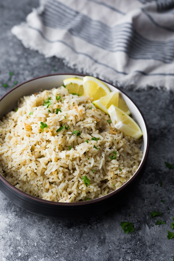Herb Lemon Rice Herb lemon rice has delicious citrus and herb flavors and is easily prepped on the stove top or in a rice cooker