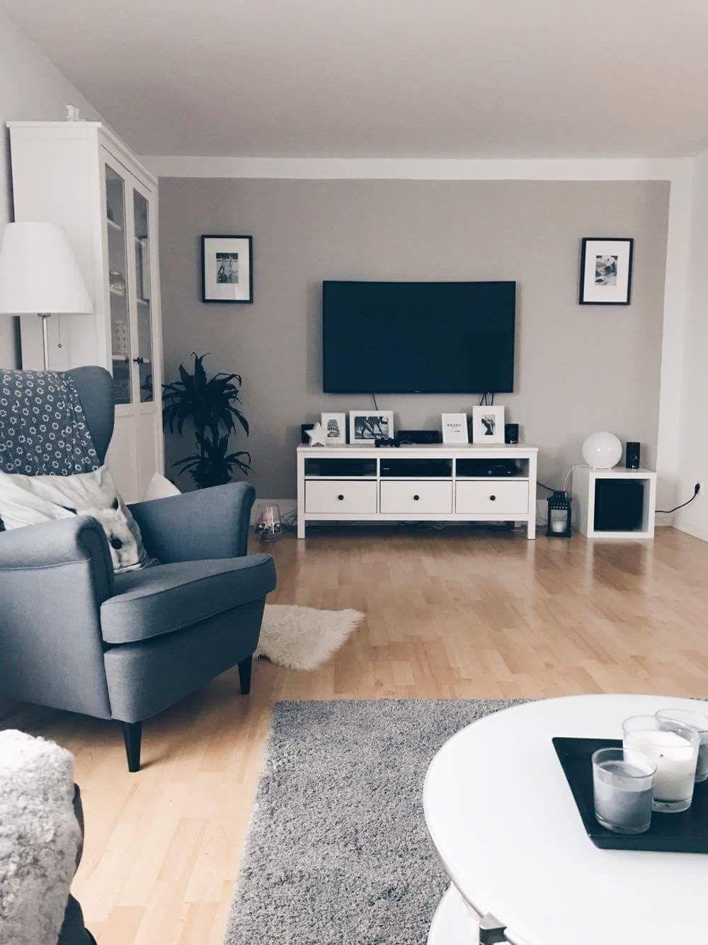 Living Room Tv Setups: Like Tv Setup With Blk/wht Pics