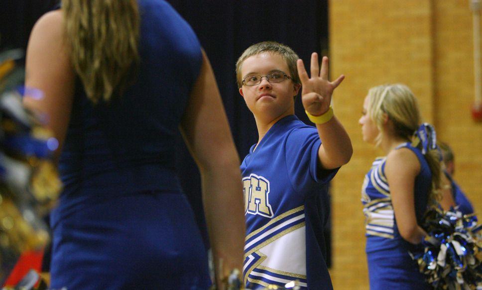 Pin By Rachel Smith On V I B E S Cheerleading Tribune Volleyball Games