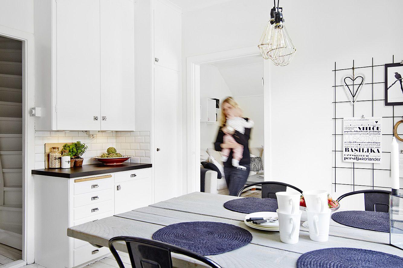 Västanhem Mäkleri & Interiör. Adress: Rosenborgsgatan 11 A. Foto: Day Fotografi.