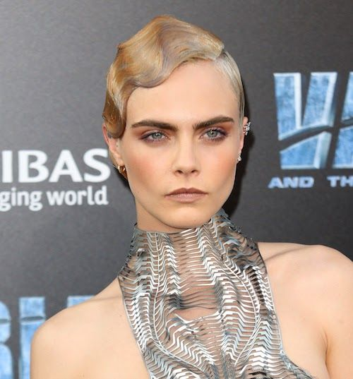 Cara Delevingne Has Been Approached To Play A Bond Girl Celebrity News Photos Movies Tvshows