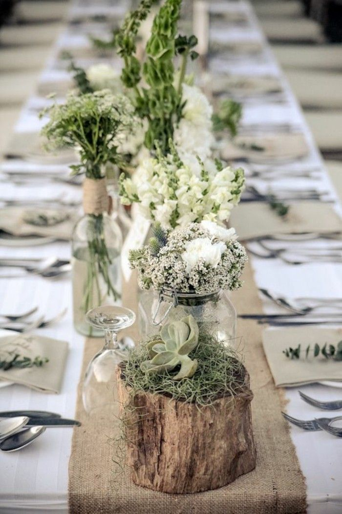 Table Decoration Wedding Delicate Flowers White Natural Wood