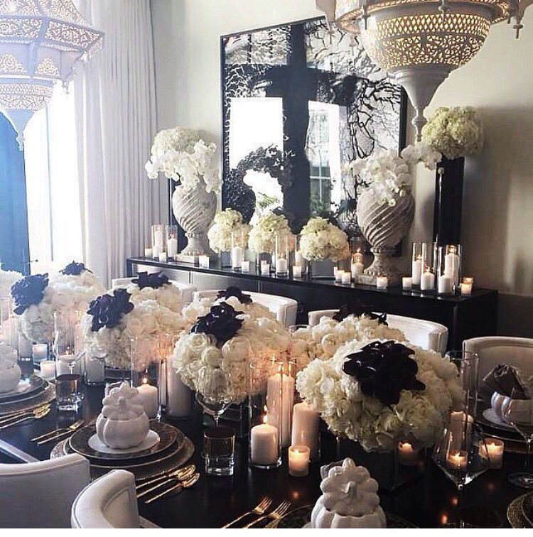 32 Stylish Dining Room Ideas To Impress Your Dinner Guests: Kris Jenners Table Setting For A Dinner Party