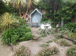 10 Ways Of Creating A Beach Garden Theme The Middle Sized