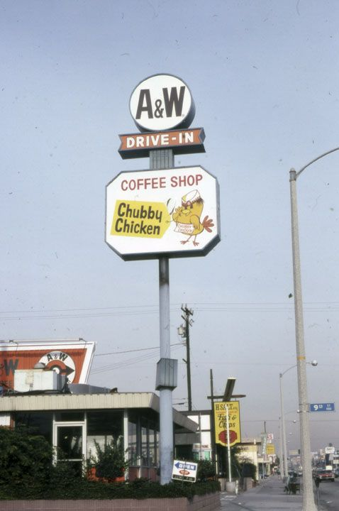 Photos: The Storefronts And Signs Of Wilshire Boulevard In