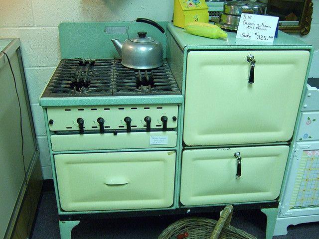 Vintage stoves antiguas cocinas a kerosene pinterest - Estufa de keroseno ...