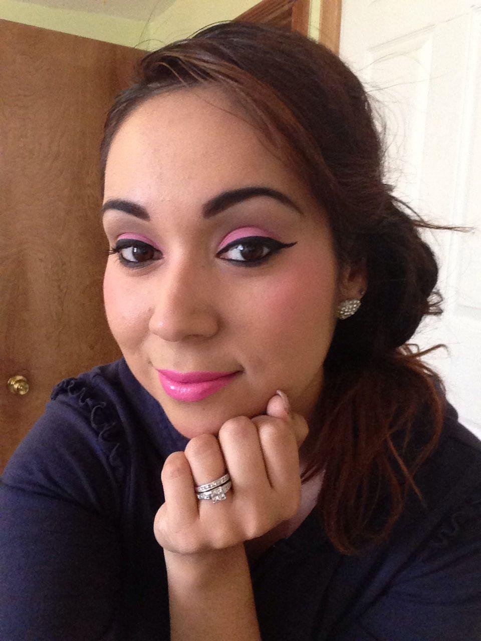Mac eyeshadow (silly) and lipstick Mac ( silly)