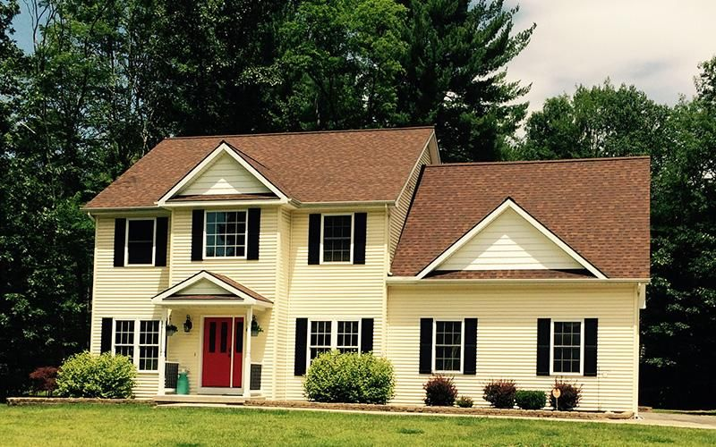 Best Pin By Norma Lewis On Curb Appeal Brown Roofs Brick 400 x 300