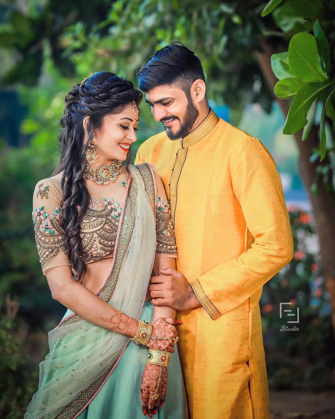 Outfits Wedding Couple Poses Photography Indian Wedding