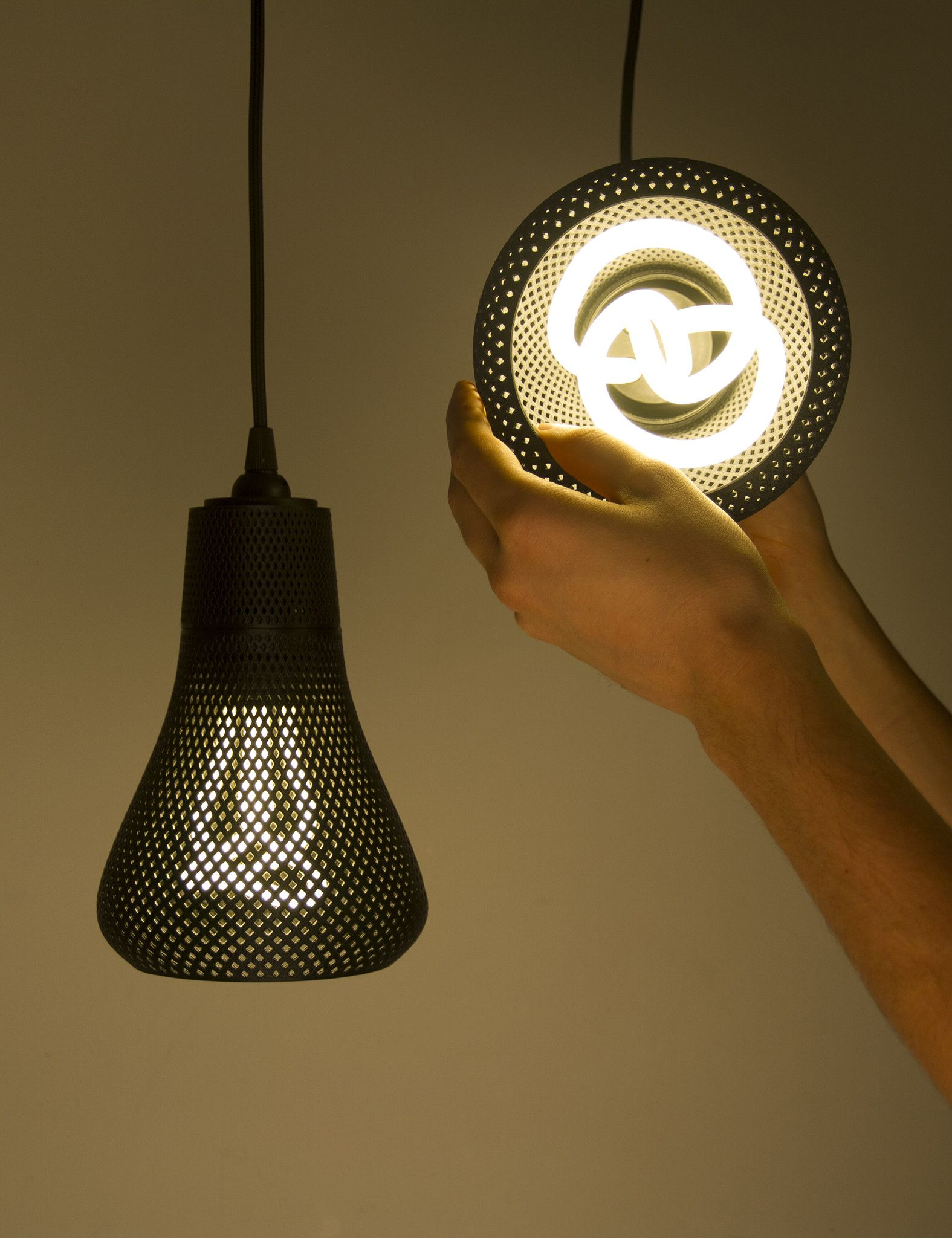Kayan 3d Printed Lamp Shade Formaliz3d With Plumen 001 Bulb