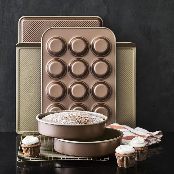 Williams Sonoma Copper Goldtouch 6 Piece Boxed Set In 2020 Seasonal Baking Minimal Kitchen Boxset